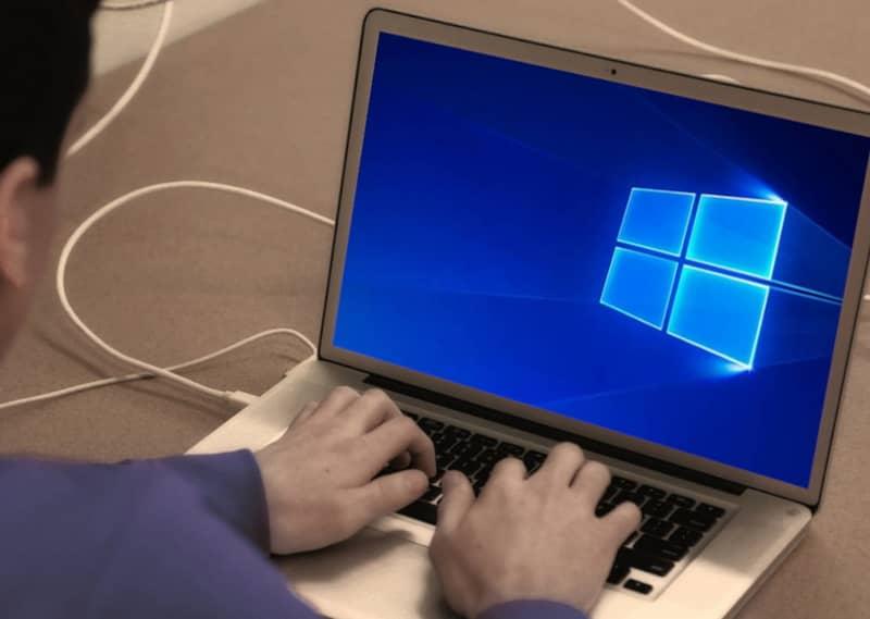 Laptop com windows 10