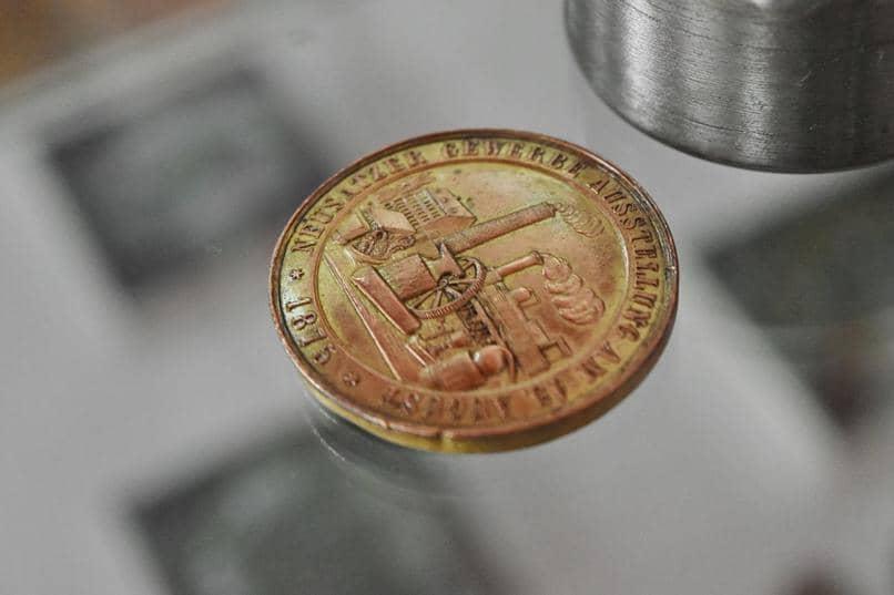 dinheiro de moedas