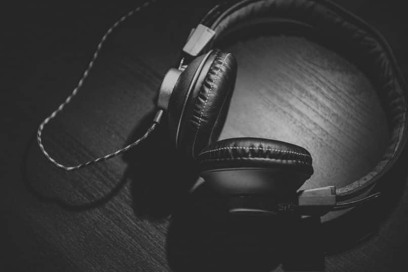 fones de ouvido de estúdio