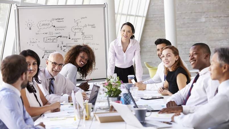 reunião de negócios com brainstorming