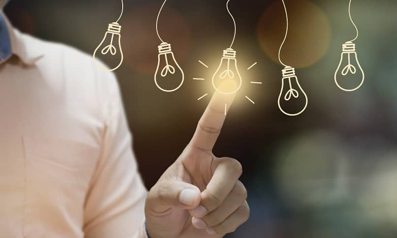 lâmpadas representando oportunidades de negócios