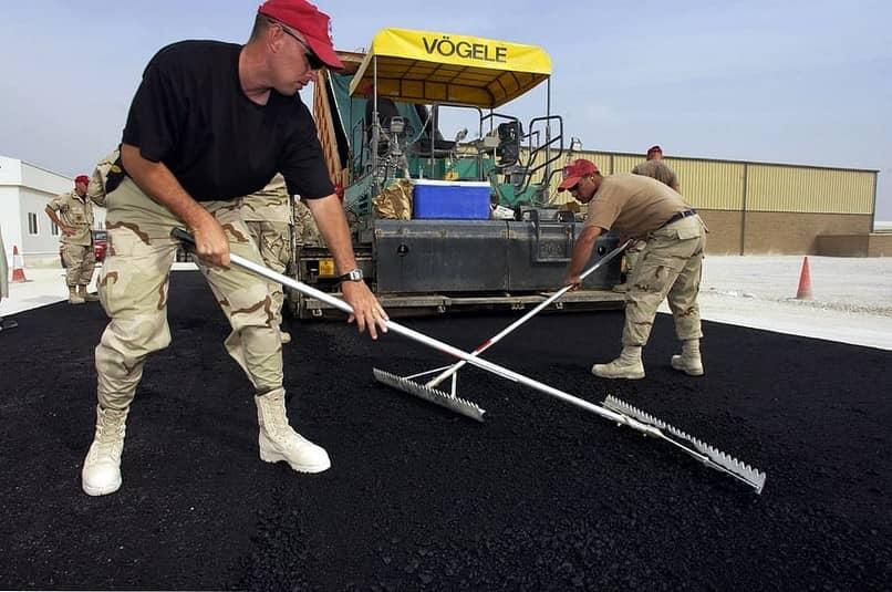 trabalho de manutenção militar