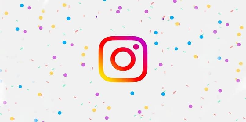 pontos coloridos do fundo do logotipo do instagram
