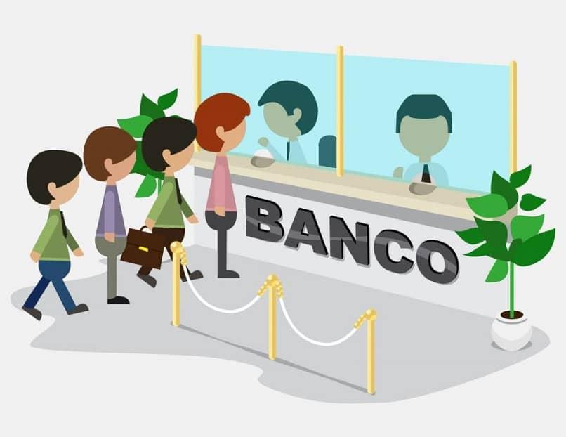 pessoas consultam banco