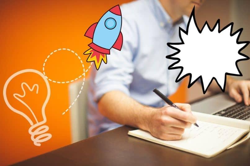 homem que escreve com desenhos de ideias
