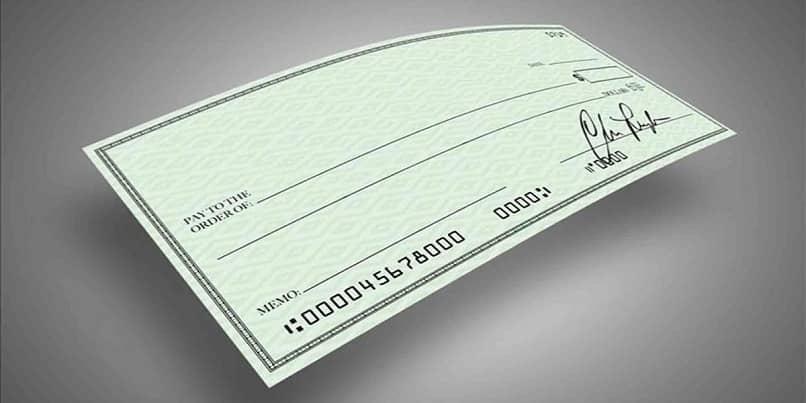 em branco cheque em branco sem fundos
